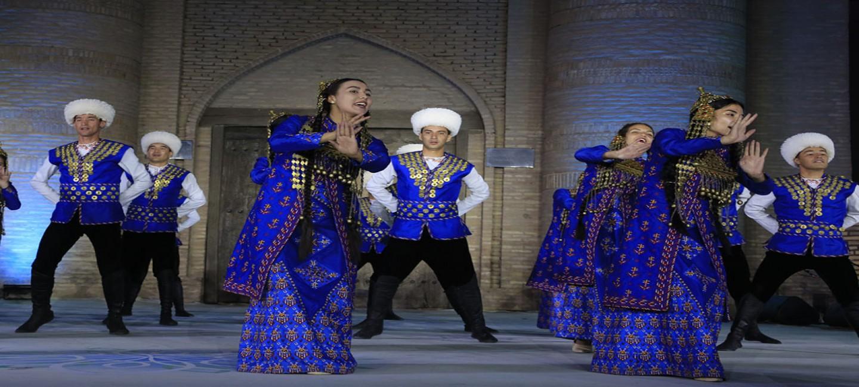 Туркменский ансамбль занял первое место на международном фестивале танца в Узбекистане